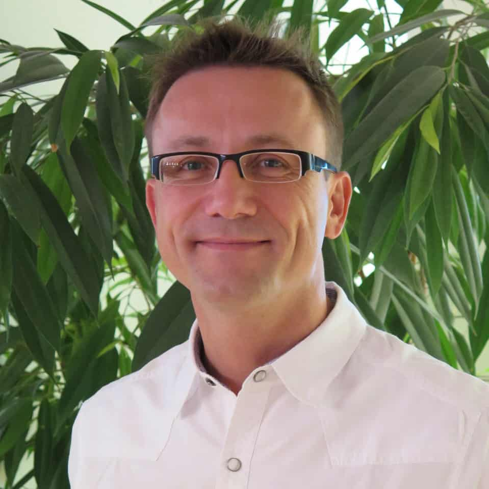 Warzenhofkorrektur in Stuttgart beim Facharzt operieren